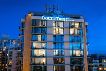 Picture of DoubleTree by Hilton Hotel & Suites Victoria in Victoria