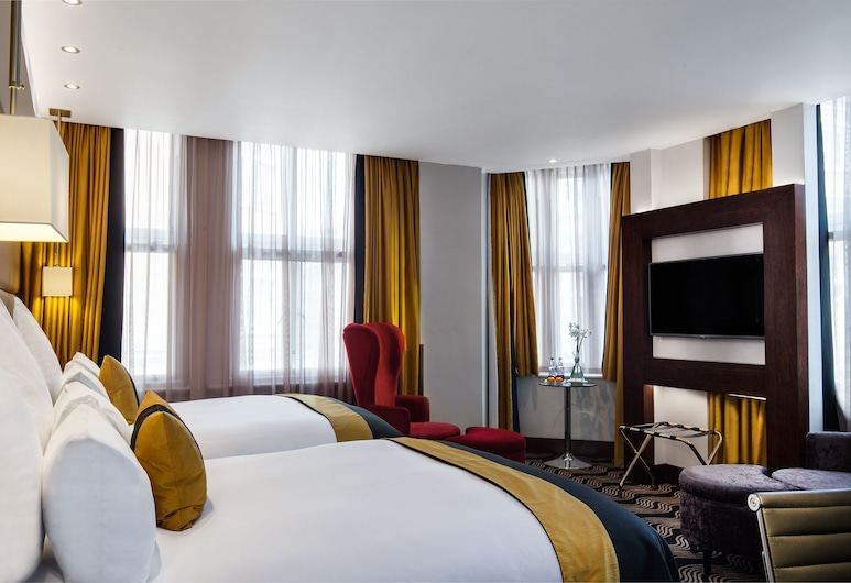 The Piccadilly London West End, London, Club Twin Room, Guest Room