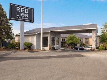 Picture of Red Lion Inn & Suites Grants Pass in Grants Pass