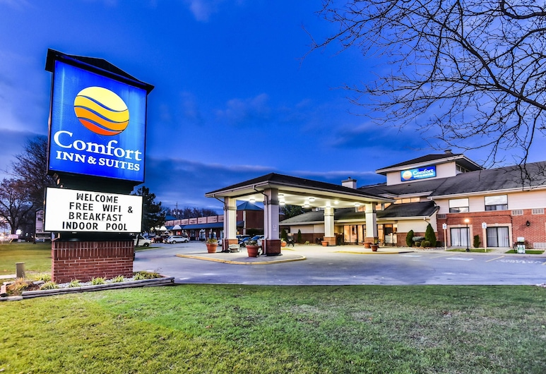 Comfort Inn & Suites Ambassador Bridge, Windsor