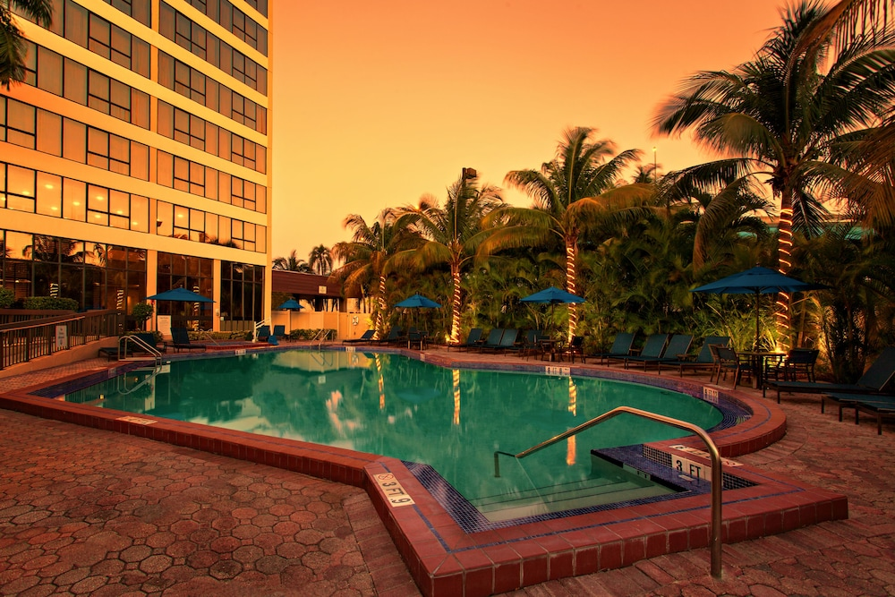 Book Holiday Inn Miami West Airport Area Hialeah from 110