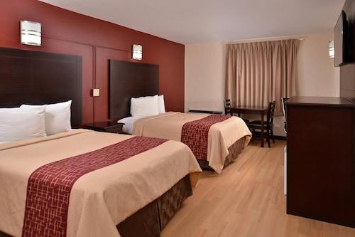 垱霍恩紅屋頂飯店/