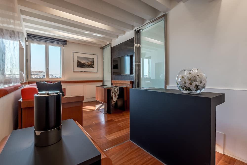 Apartament typu Deluxe, 1 sypialnia, widok na kanał (separate entrance with stair lift) - Powierzchnia mieszkalna