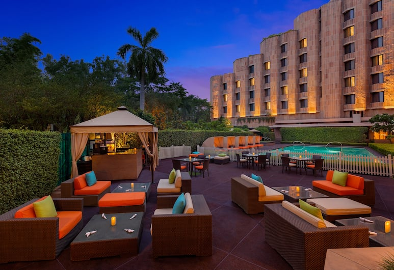 ITC Maurya, a Luxury Collection Hotel, New Delhi, New Delhi, Poolside Bar