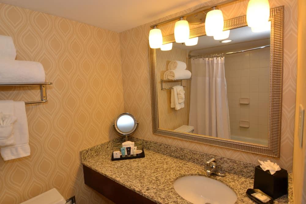 ห้องพัก, เตียงใหญ่ 2 เตียง, ปลอดบุหรี่ (Feature) - ห้องน้ำ
