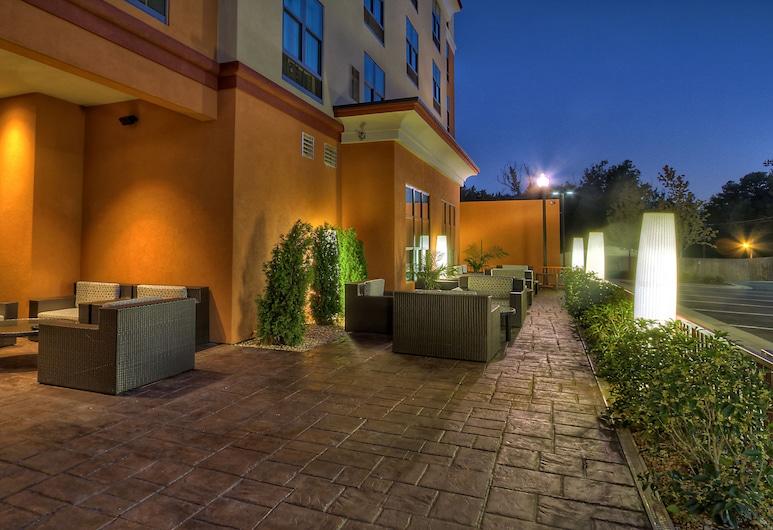 Holiday Inn Hotel & Suites Tupelo North, Tupelo, Terrace/Patio