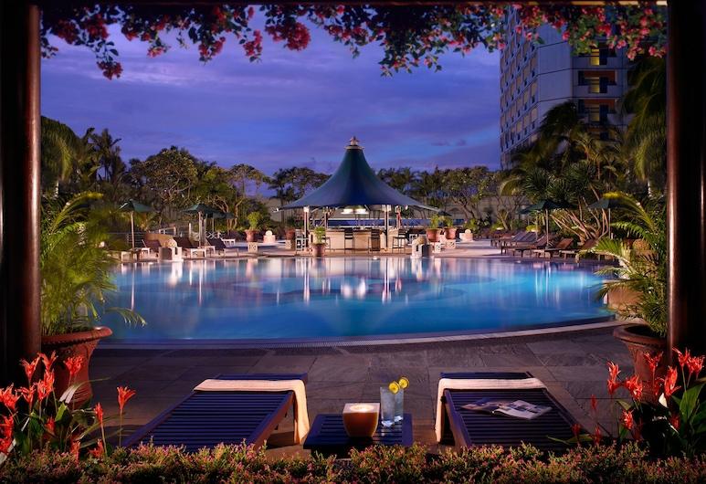 Swissotel The Stamford, Singapore, Singapore, Pool