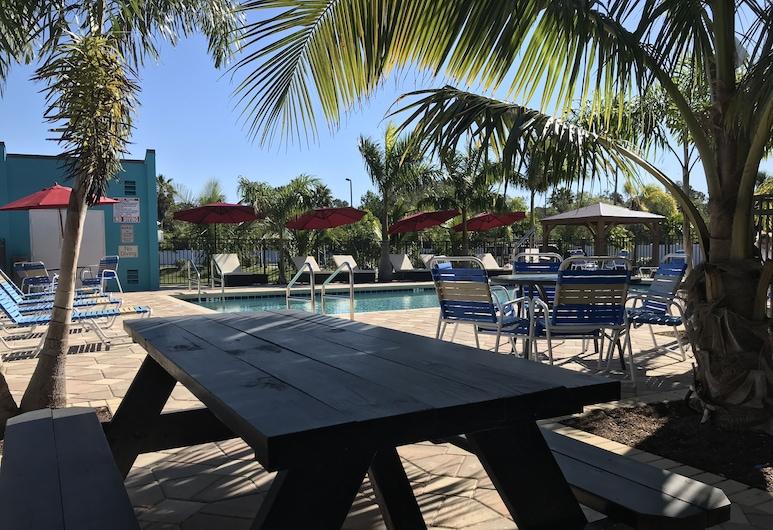 Days Inn by Wyndham Sarasota Bay, Сарасота, Відкритий басейн
