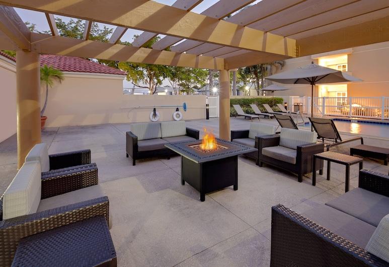 Courtyard by Marriott Fort Lauderdale North/Cypress Creek, Fort Lauderale, Exteriér