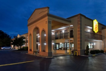 Picture of Super 8 by Wyndham Knoxville West/Farragut in Knoxville