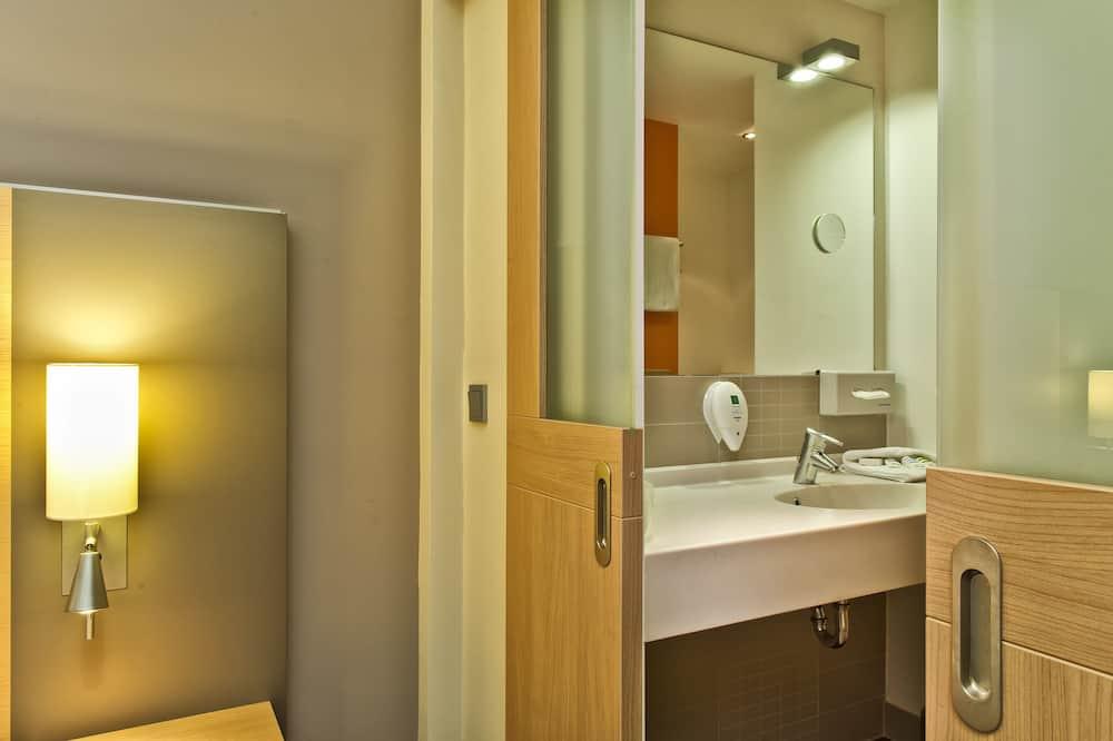 Privilege, Kambarys, 1 standartinė dvigulė lova - Vonios kambarys