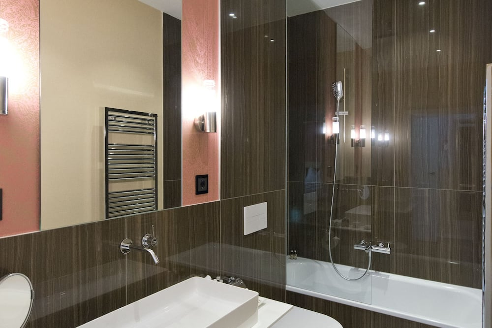 Superior Double Room (Selection) - Bathroom