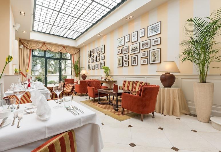 HOTEL KAISERHOF WIEN, Vienna, Lobby Lounge