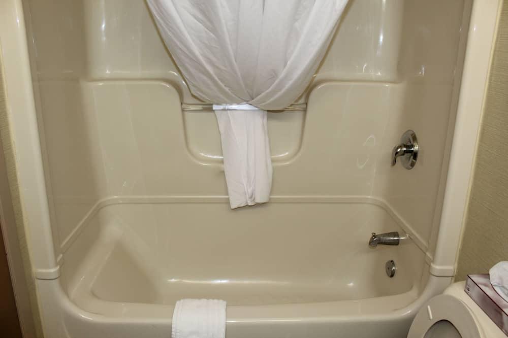 ห้องพัก, เตียงคิงไซส์ 1 เตียง และโซฟาเบด, ปลอดบุหรี่ - ห้องอาบน้ำ