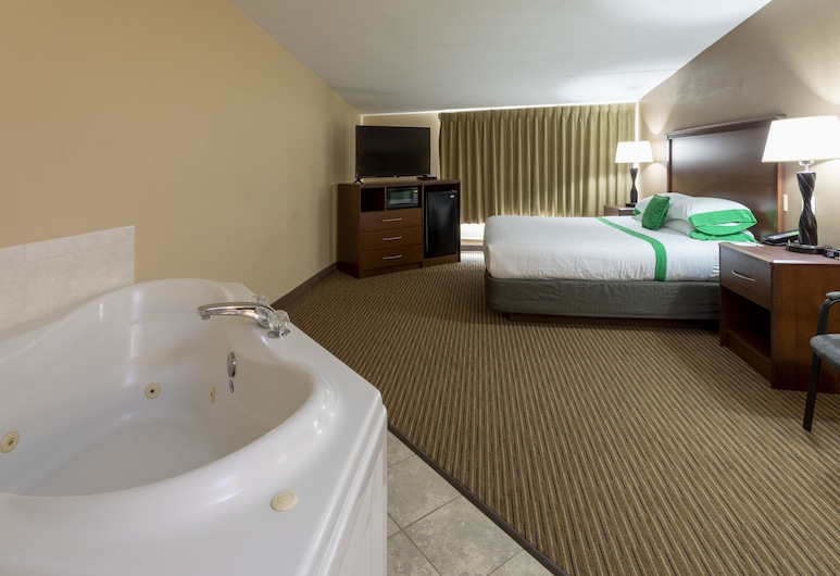 GuestHouse Rochester, Rochester, Executive Suite, 1 King Bed, Non Smoking, Jetted Tub, Guest Room