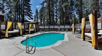 Fotografia hotela (Hotel Becket Lake Tahoe, Trademark Collection by Wyndham) v meste South Lake Tahoe