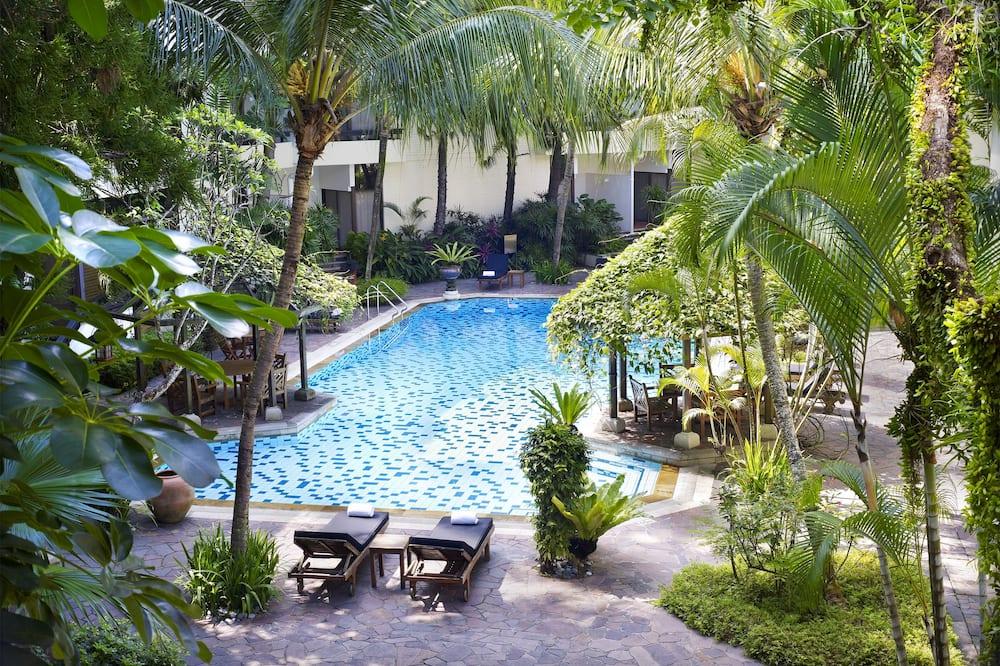 Deluxe Poolside Room - Pool