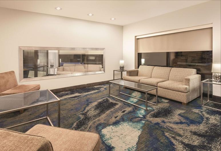 La Quinta Inn & Suites by Wyndham Philadelphia Airport, Essington, Lobby