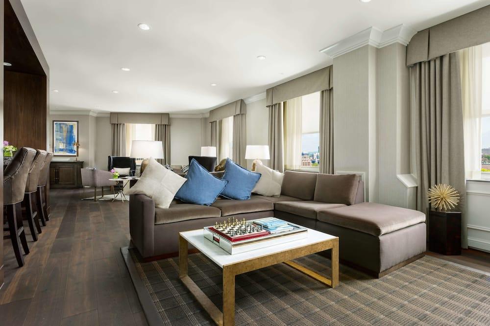 Presidential Suite - Guest Room