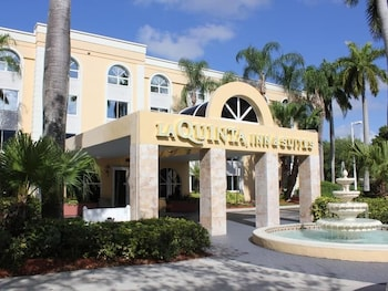 Choose This Cheap Hotel in Coral Springs