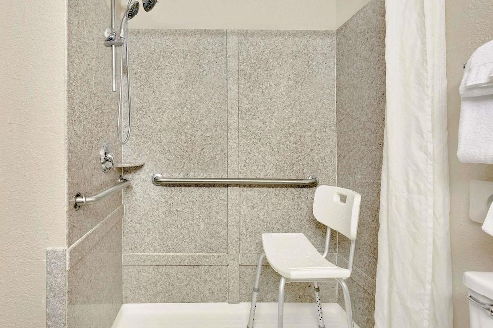 Standarta numurs, piekļuves iespējas personām ar kustību traucējumiem - Vannasistabas duša