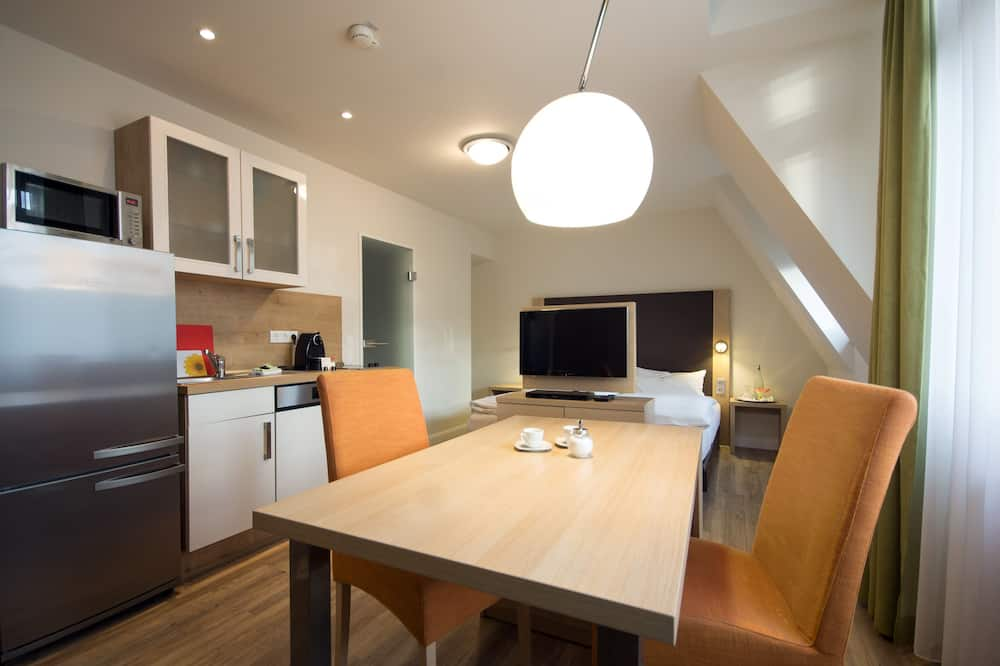 Comfort Apartment, 1 Bedroom, City View - In-Room Dining