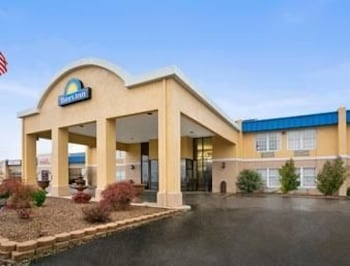 Picture of Days Inn Madisonville in Madisonville
