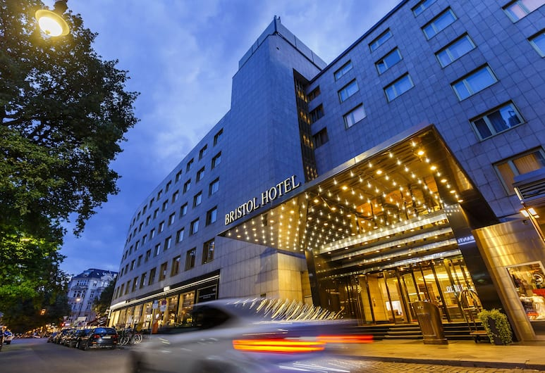 Hotel Bristol Berlin, Berlín, Pohľad na hotel – večer/v noci