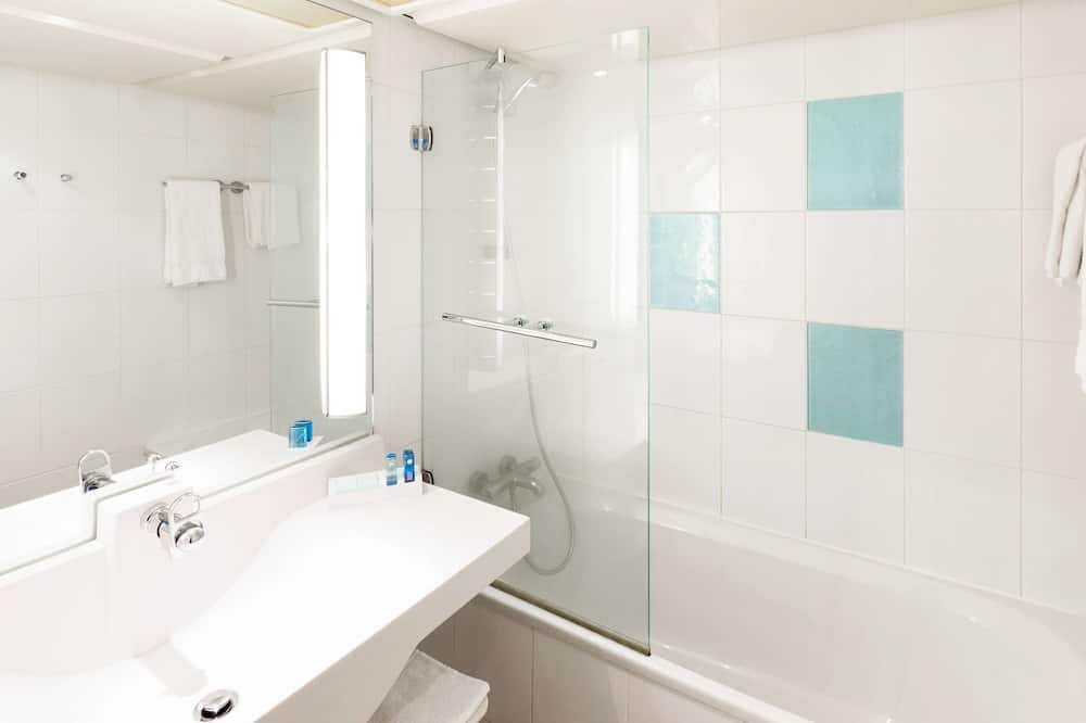 Klasikinio tipo kambarys, 2 viengulės lovos - Vonios kambarys