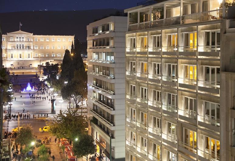 Electra Hotel Athens, Aten, Hotellfasad - kväll