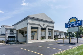 Picture of Days Inn and Suites Columbus East Airport in Reynoldsburg