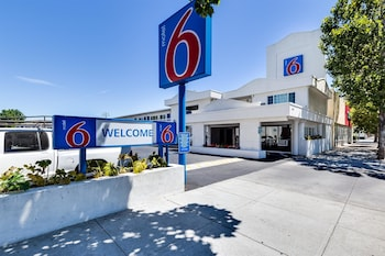 Hình ảnh Motel 6 San Jose Convention Center tại San Jose