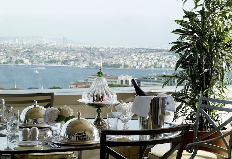 Divan Istanbul, Istanbul, Presidential Suite, Khu ẩm thực ngoài trời