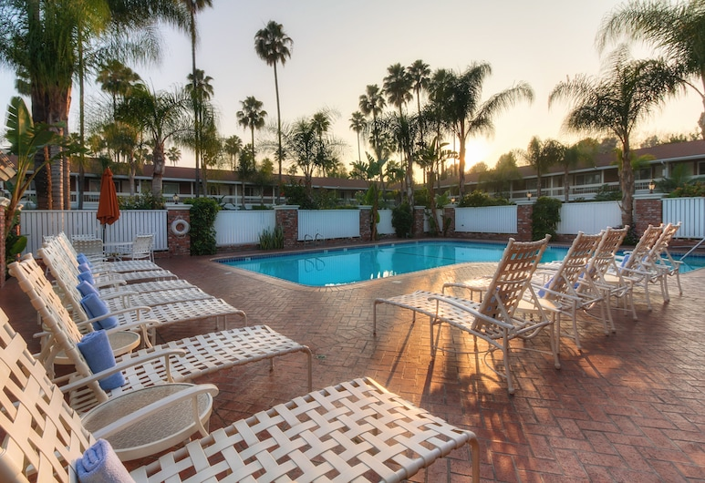 Best Western Plus Carriage Inn, Sherman Oaks, Alberca al aire libre