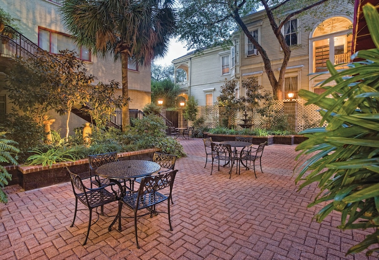 Club Wyndham Avenue Plaza, New Orleans, Outdoor Dining