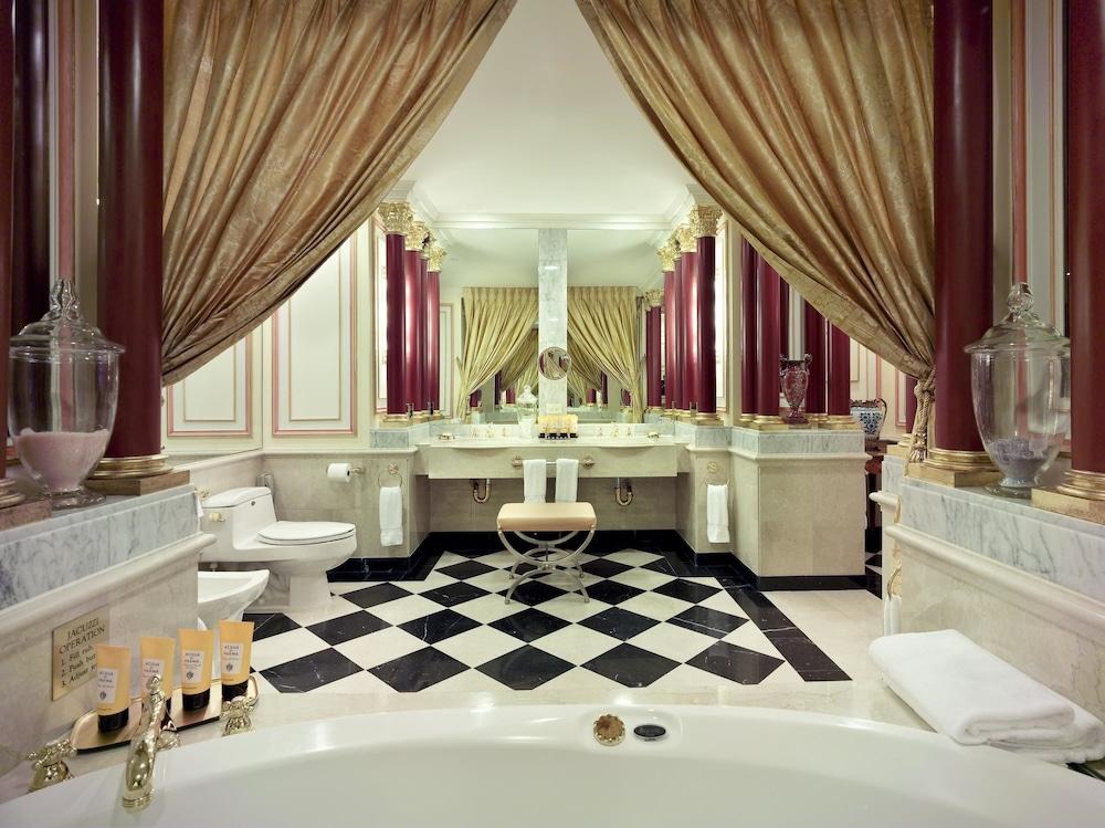 Lotte New York Palace, New York, Bad