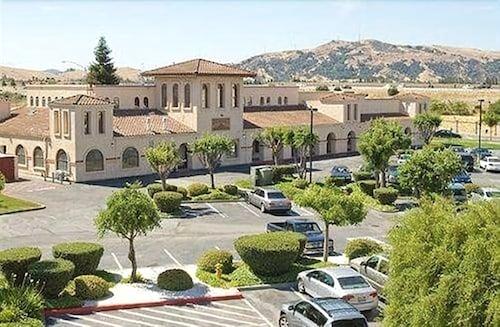 Book Wyndham Garden San Jose Silicon Valley In San Jose