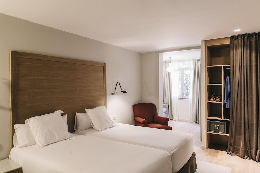 Camere Familiari Barcellona : Prenota hotel regina a barcellona hotels