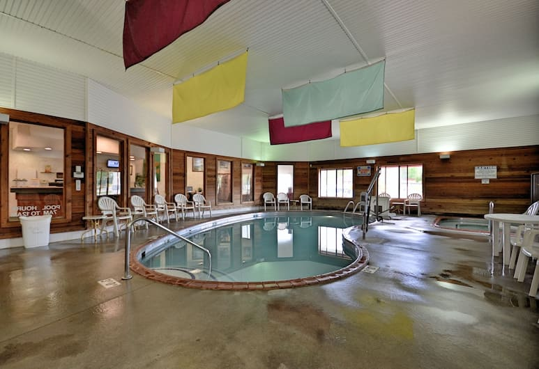 Days Inn by Wyndham Marquette, Marquette, Piscina coperta
