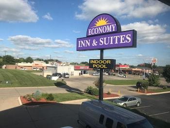 Picture of Economy Inn & Suites Cedar Rapids in Cedar Rapids