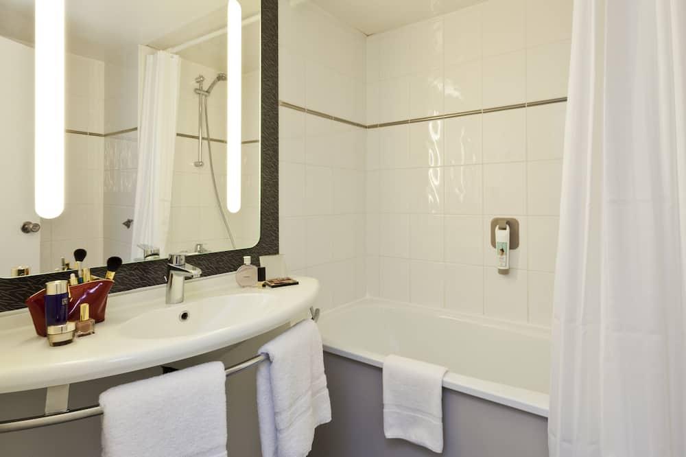 Standard Δίκλινο Δωμάτιο (Twin), 2 Μονά Κρεβάτια - Μπάνιο