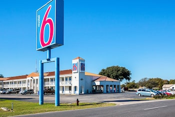Picture of Motel 6 Round Rock in Round Rock