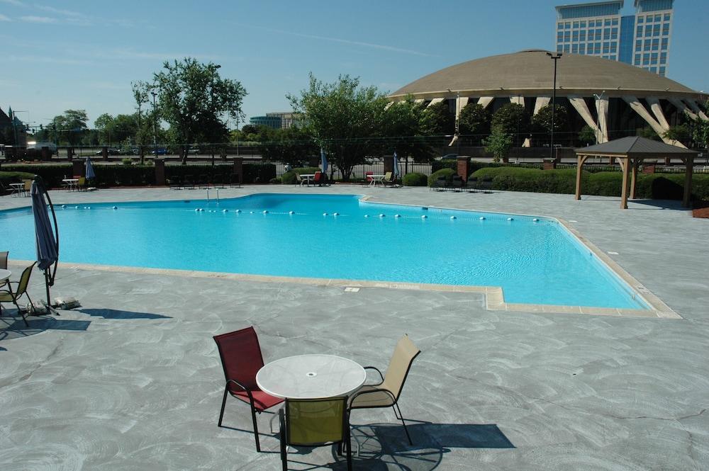 wyndham garden norfolk downtown norfolk outdoor pool - Wyndham Garden Norfolk Downtown