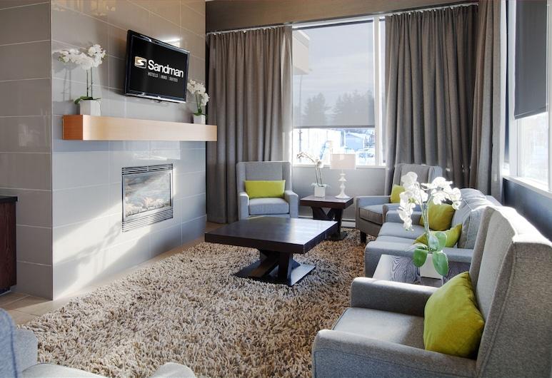 Sandman Hotel & Suites Williams Lake, Williams Lake, Lobby Sitting Area