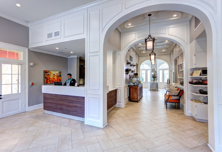 Hotel St. Pierre®, a French Quarter Inns® Hotel, Nueva Orleans, Entrada interior