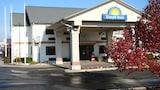 Choose This 2 Star Hotel In Hillsdale