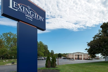 Picture of Lexington Hotel Rochester Airport in Rochester