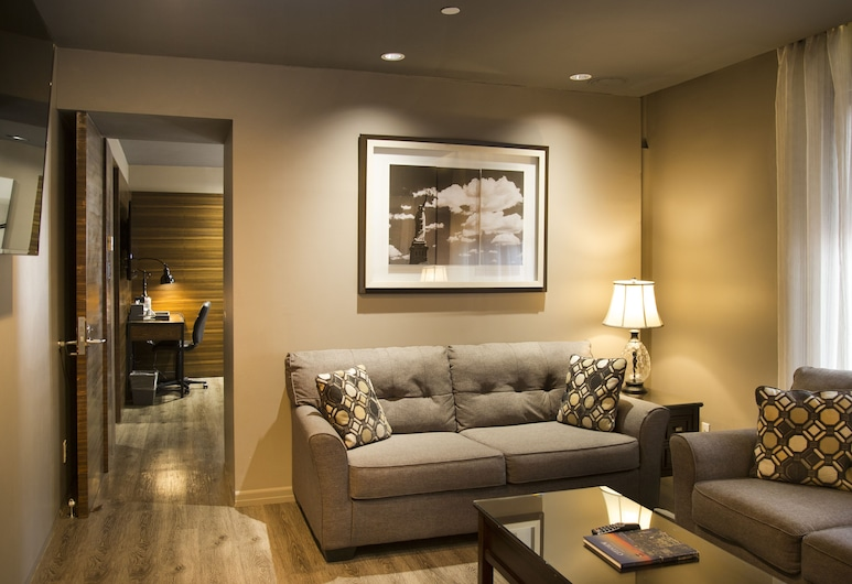 The Gallivant Times Square, New York, Suite, Multiple Beds, Multiple View (Penthouse), Living Area