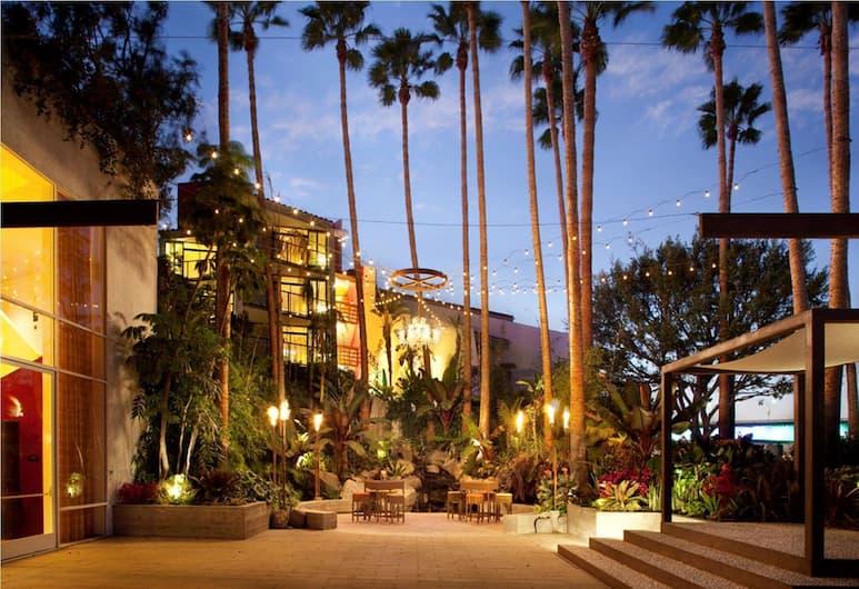 Hotel Maya - a Doubletree by Hilton Hotel, Long Beach, Exterior