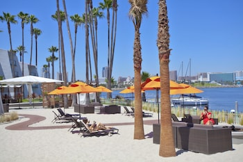 Picture of Hotel Maya - a Doubletree by Hilton Hotel in Long Beach
